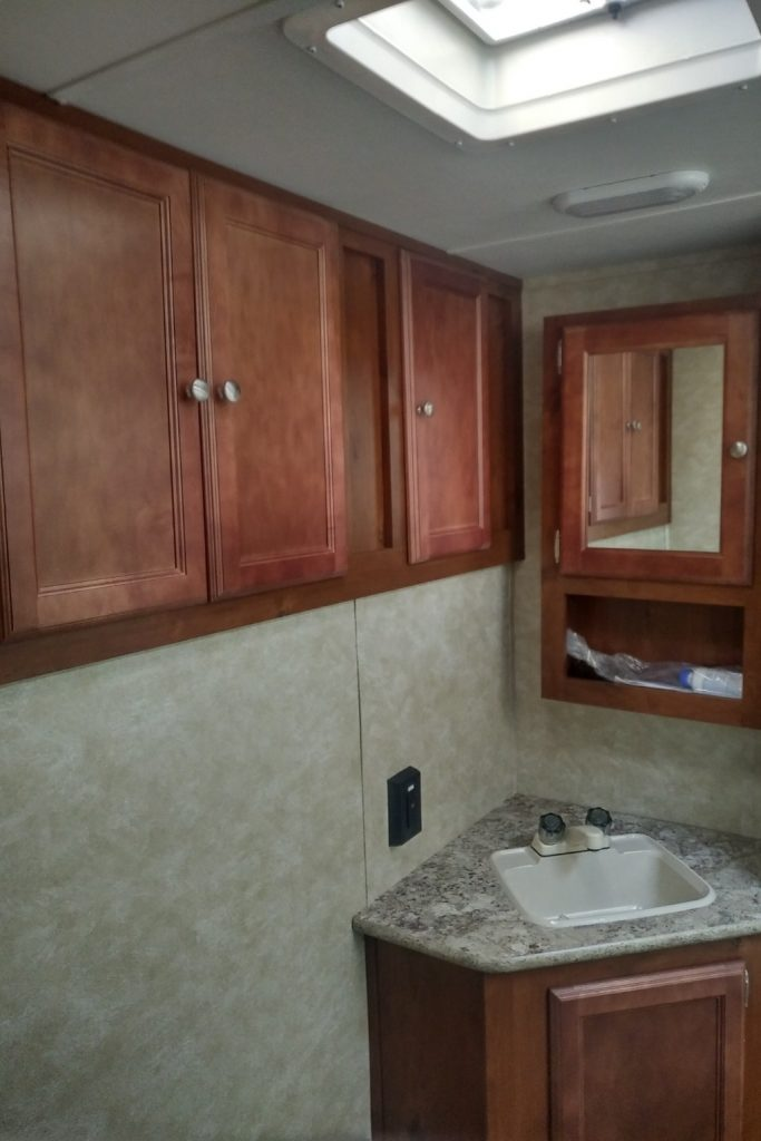 2016 Gulf Stream2 Gulf Breeze Champagne Trailer Rentals located in Southwestern Ontario2016 Gulf Stream2 Gulf Breeze Champagne Trailer Rentals located in Southwestern Ontario