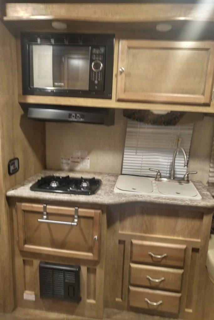 2017 Gulf Stream Vista Cruiser 17RKM rentals in southwestern ontario