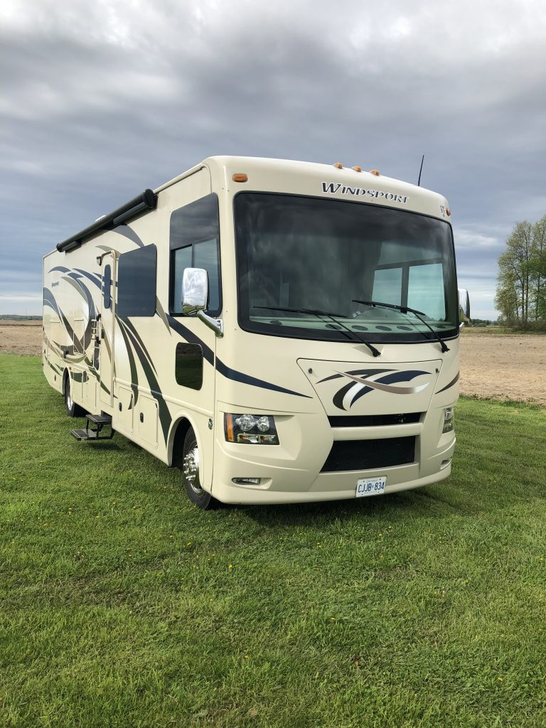 Class A motorhome for rent ontario canada rolling vacations motorhome and trailer rentals