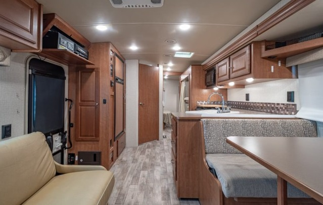 32 foot class a motorhome rental ontario canada rolling vacations