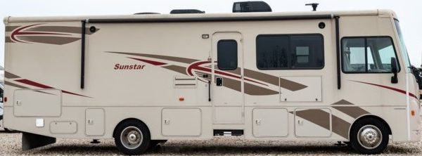 32 foot class A motorhome rental Ontario from rolling vacations